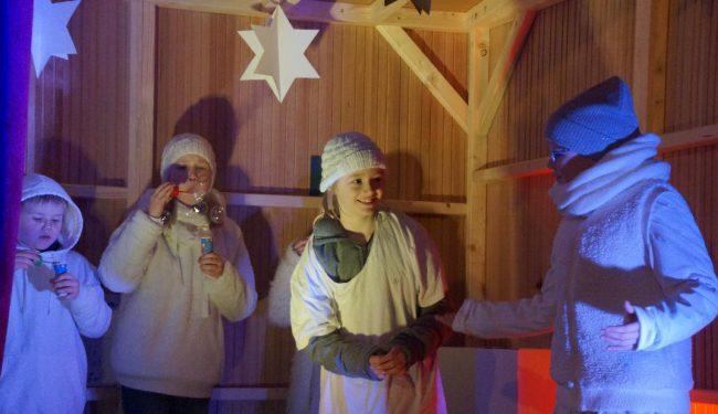 Szenenbild von Der Weihnachtsbudenzauber